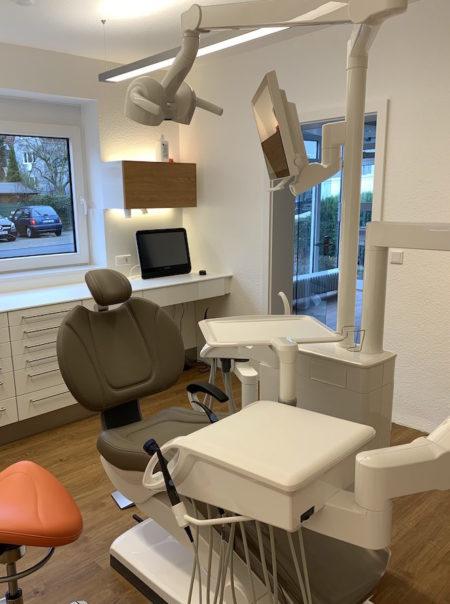 zahnarzt-behandlungsstuhl